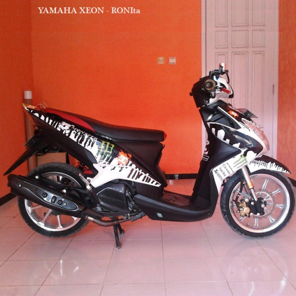 striping-custom-yamaha-xeon