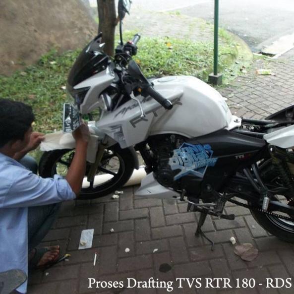 drafting-tvs-rtr-180-ronita