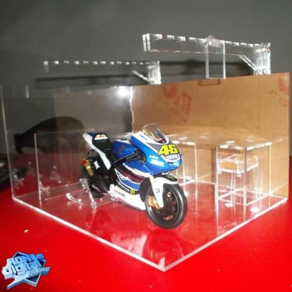 diorama-diecast-ronita