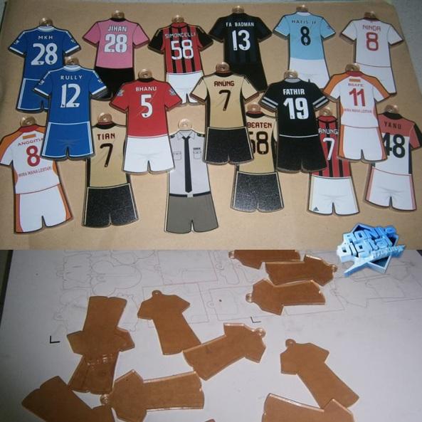 gantungan-kunci-jersey-bola