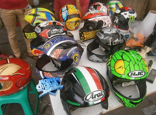 kumpulan-helm-produksi-ronita
