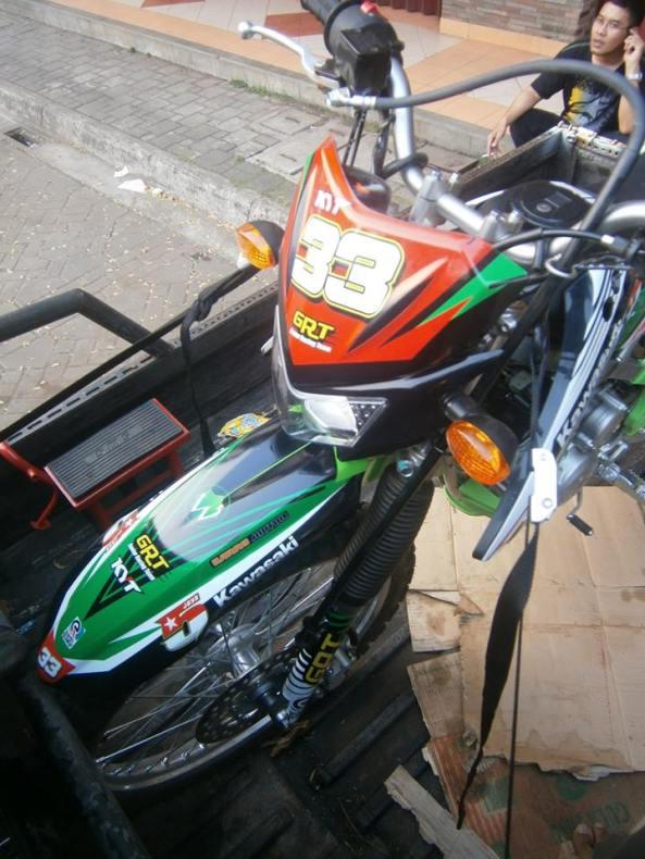 striping kawasaki klx 150 3