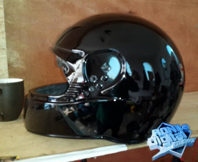 helm-apriend-pengecatan