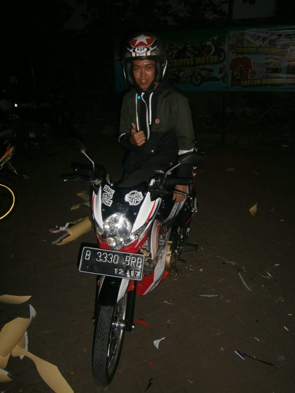 sticker striping satria 2