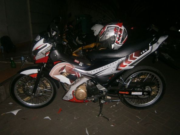 sticker striping satria 4
