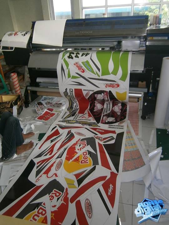 cetak-sticker-ronita