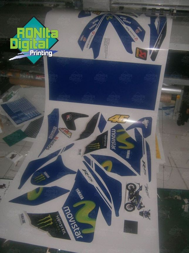 Proses cetak sticker yamaha movistar 2014 R25