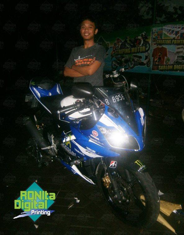 Yamaha R15 Motif movistar 2014 2