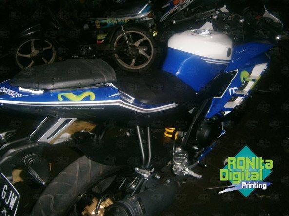Yamaha R15 Motif movistar 2014 3