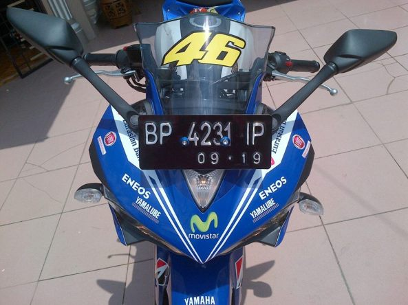 Yamaha R25 Motif Rossi Movistar 2014 2