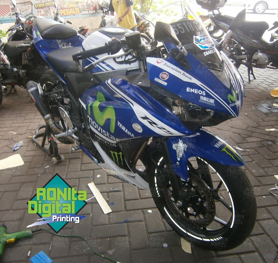 Yamaha r25 motif yamaha movistar 2014 workshop ronita bsd 2