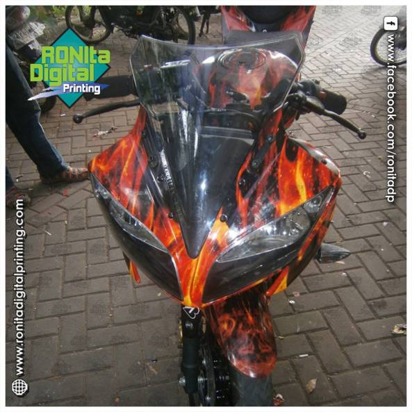 Yamaha R15 motif dragon fire 4