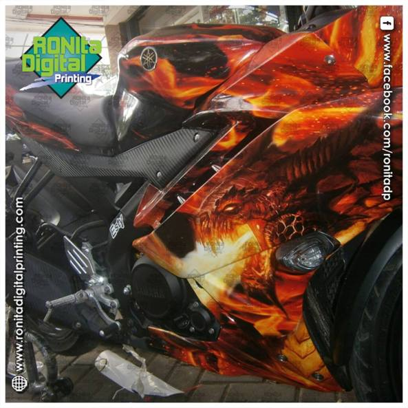 Yamaha R15 motif dragon fire
