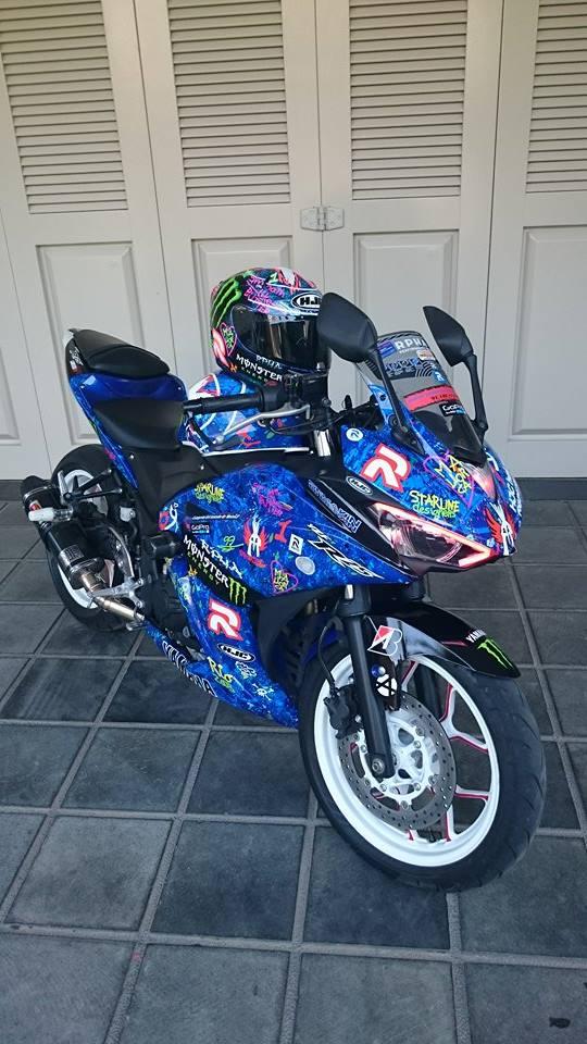 Yamaha R25 Graffiti Lorenzo 3