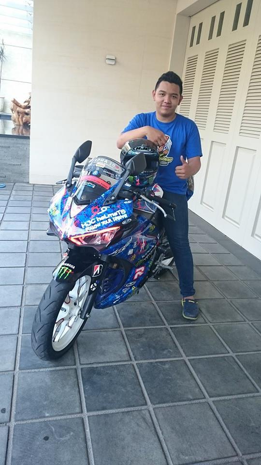 Yamaha R25 Graffiti Lorenzo