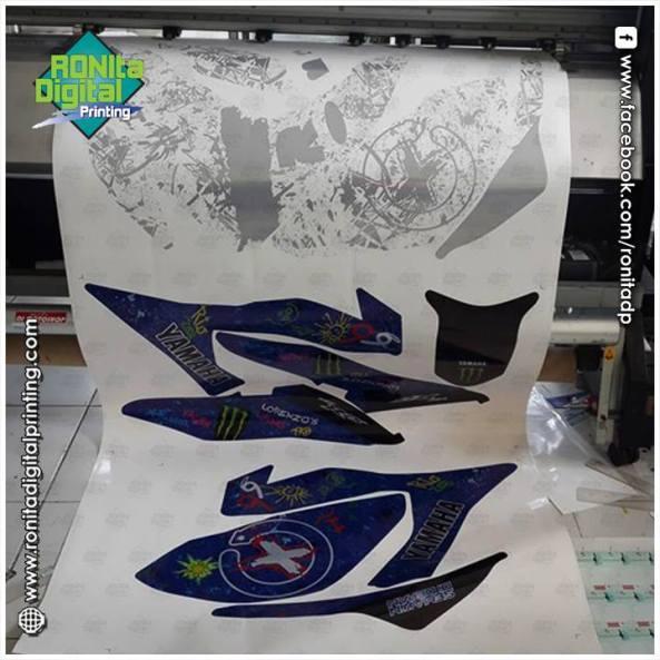 Yamaha-R25-Lorenzo-Graffiti-12