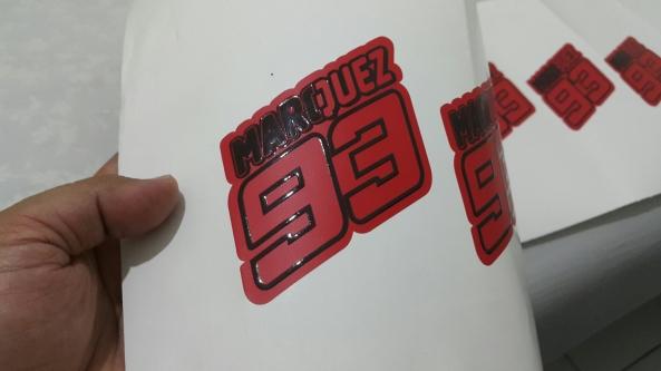 Merupakan contoh penggunaan efek tekstur pada sebuah sticker vinyl