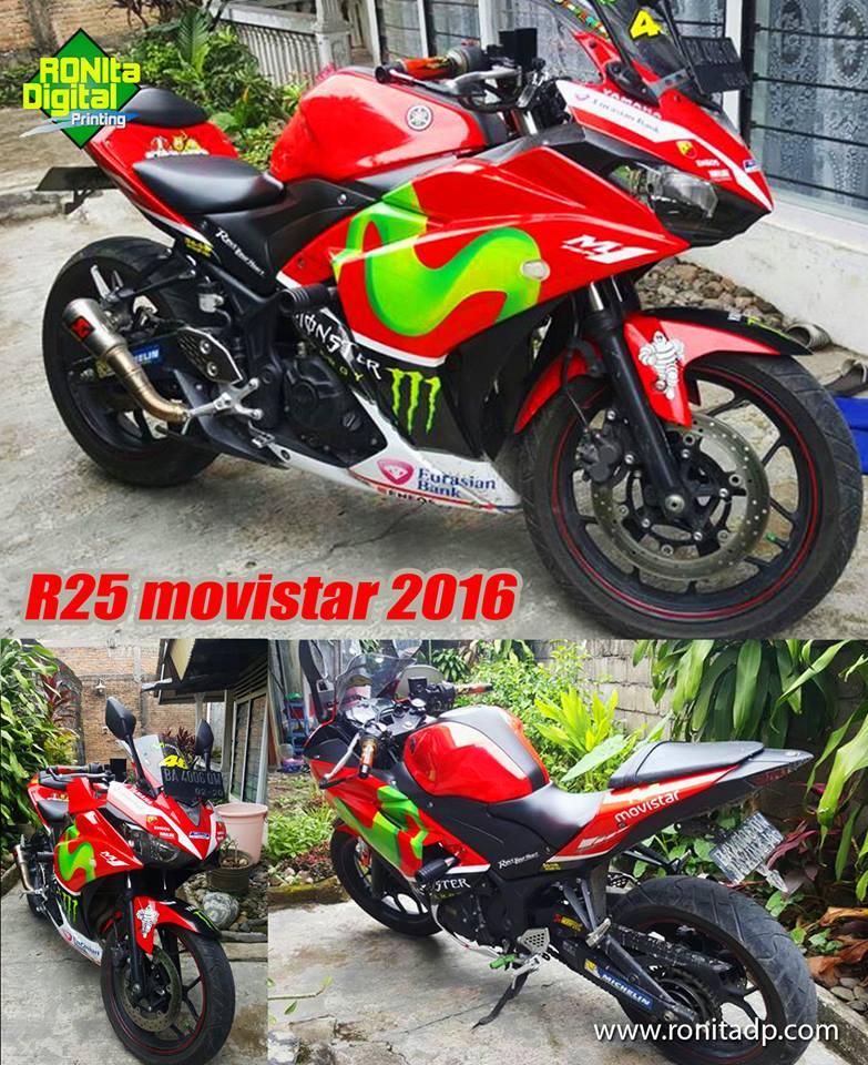 Hasil pemasangan striping motor yamaha r25 movistar merah