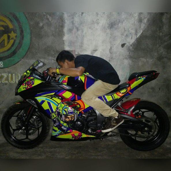 striping-motor-fullbody-kawasaki-ninja250fi