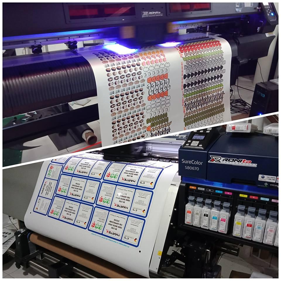 Bahan Vinyl Ronita Digital Printing Stiker Vinil Kualitas Bagus Sistem Cetak Sticker Kami Adalah Menggunakan Printer Large Format Dengan Ukuran Lebar 15 Meter Basis Tintanya Ecosolvent Dan Uv Yang